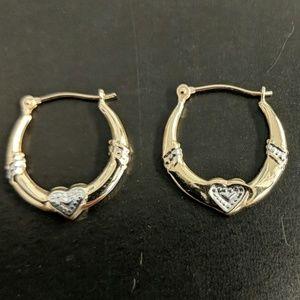 10 kt hoop earrings with hearts